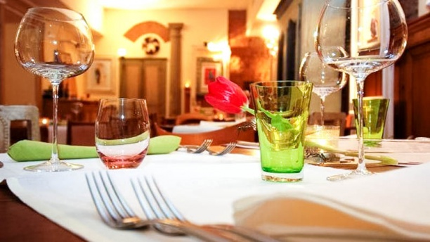 Baccarossa tavolo con coperto