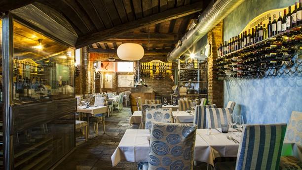 Taverna Guyot Vista sala