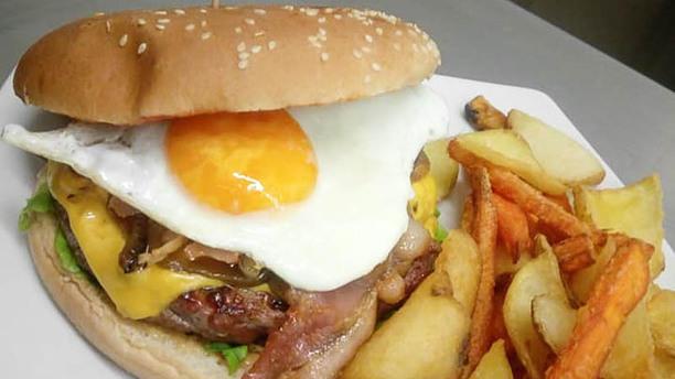 O' Connors Pub Quaregna Hamburger 250gr con contorno incluso