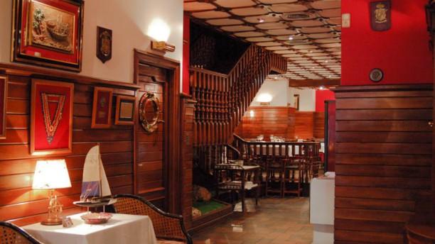 El Timonel La sala