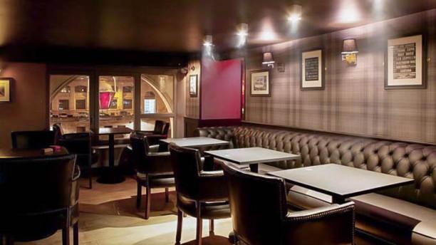 Restaurant pub saint michel paris 75005 ile de la for Restaurant ville lasalle