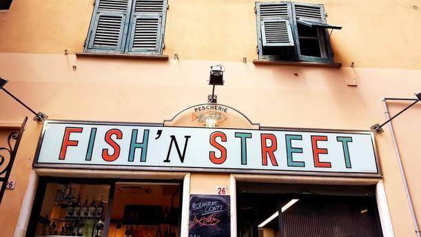 Fish'n  Street Esterno