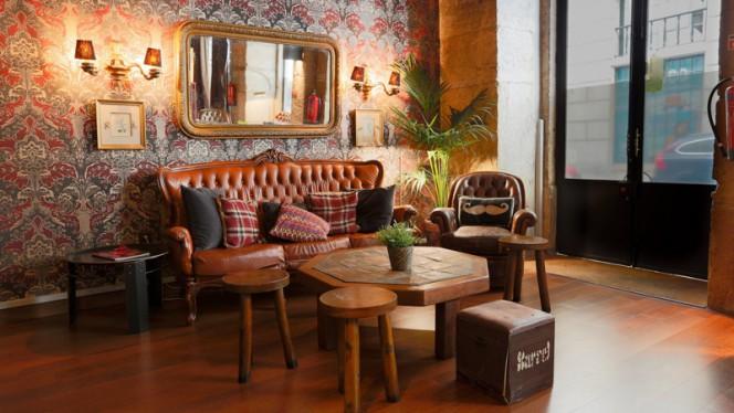 Sala - The George Pub, Lisboa