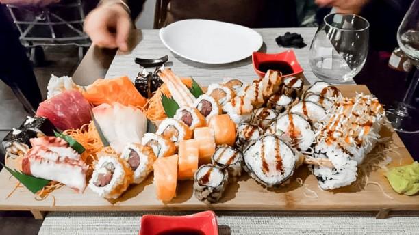 Ami Japanese Bar & Restaurant sushi