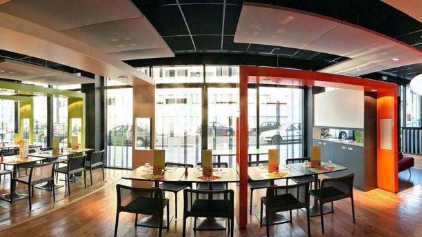 Insula Cafe Salle du restaurant