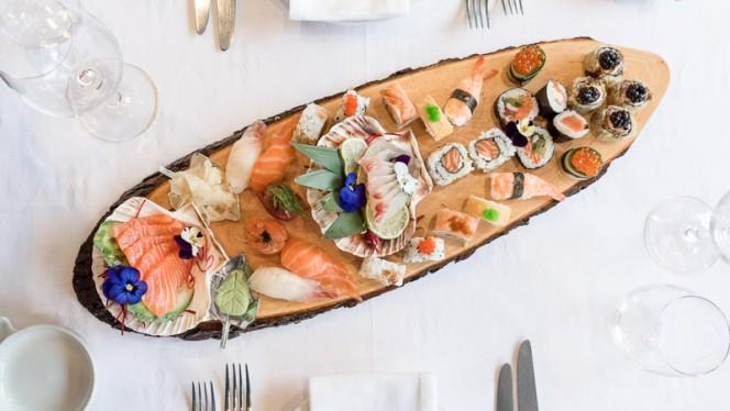 Nosso combinado de sushi e sashimi - Sushi & Meat, Matosinhos