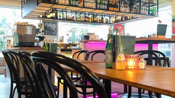 Waterwolf Gastrobar - Bar & Restaurant - Badhoevedorp Schiphol Amsterdam Airport Waterwolf Gastrobar Interior