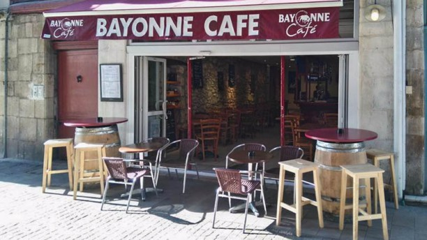 restaurant bayonne caf bayonne 64100 avis menu et prix. Black Bedroom Furniture Sets. Home Design Ideas