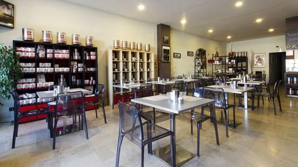 Poke Kay 2 By Business Bar Vista della sala