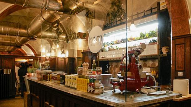 Ham Holy Burger Roma Via Brescia Vista sala