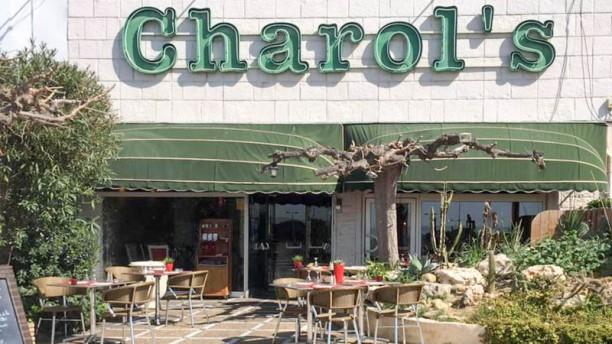 Le Charol's Façade