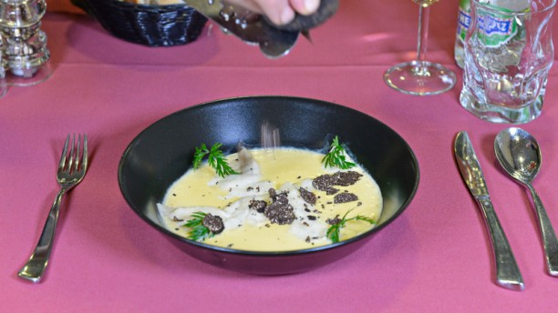 Le Bras d'Or Raviole aux truffes de bourgogne