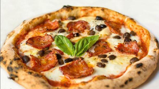 Luna Rossa Pizza Salamino e Olive