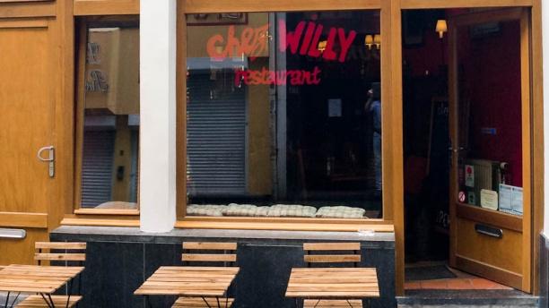 Chez Willy Devanture
