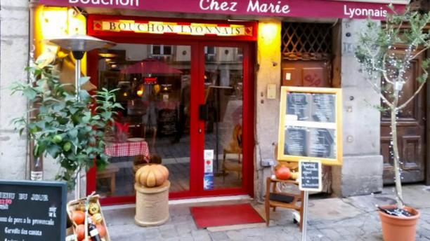 Chez marie restaurant 14 rue saint jean 69005 lyon for Chez merie le miroir sainte foy