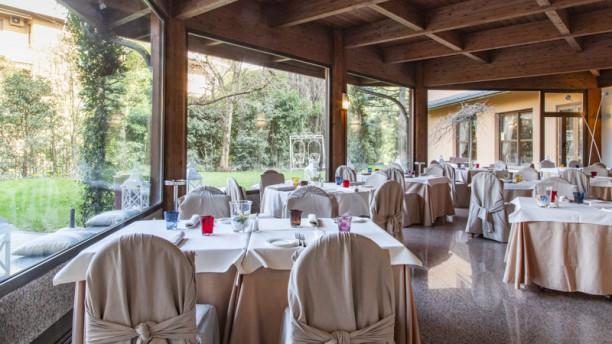 Feeling Restaurant Interno