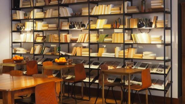Vascobelo V-bar Urgell-Londres Vista sala