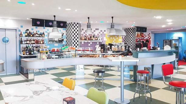 Happy Days American food Vista sala