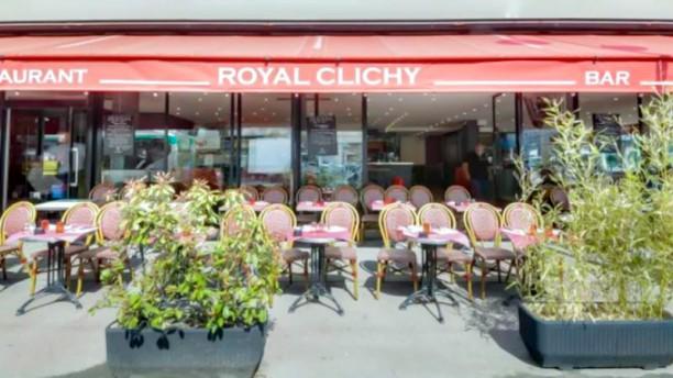 Le Royal Clichy Façade