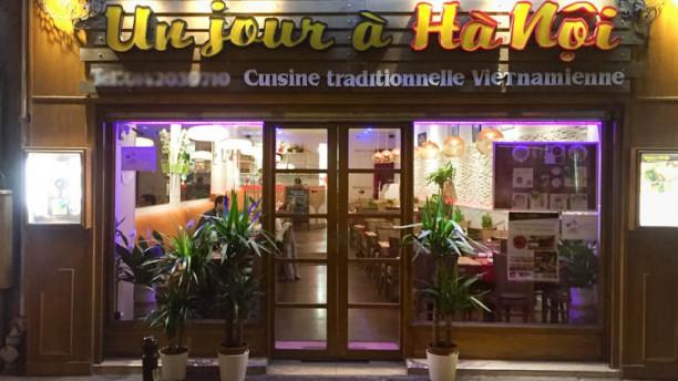 Un Jour à Hanoi devanture / entrée