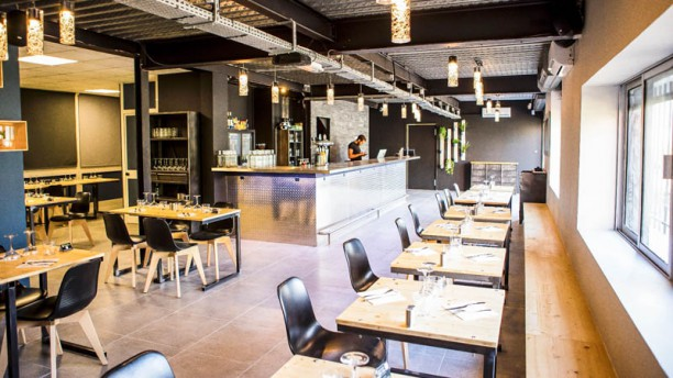 The factory restaurant 246 avenue de thouars 33400 for Restaurant talence