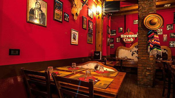 Silverado Saloon Lo stile