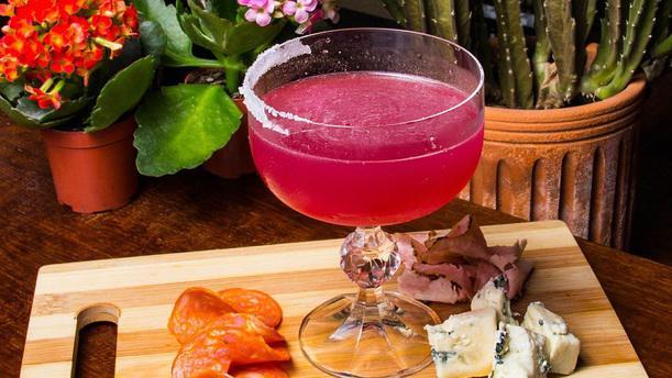 Mena Gastrobar Drink