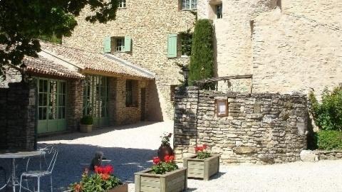 restaurant - Domaine de La Grange Neuve - Althen-des-Paluds