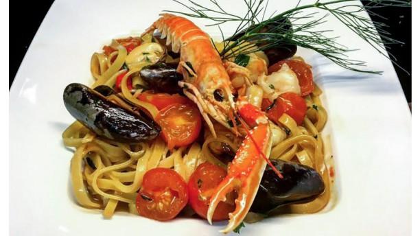 Vino e Cucina Tagliatelle con Crostacei