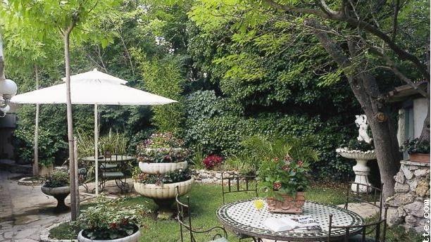 Le Colombier Jardin du restaurant Le Colombier