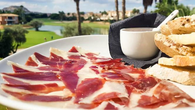 Jamón iberico de bellota con tostas - El Olivo - Hotel Alicante Golf, Alicante