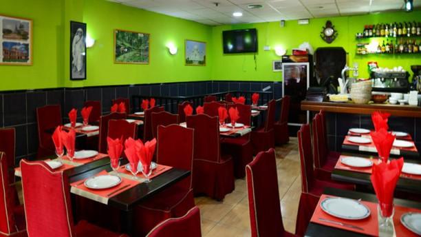 Shapla Indian Restaurant Sala