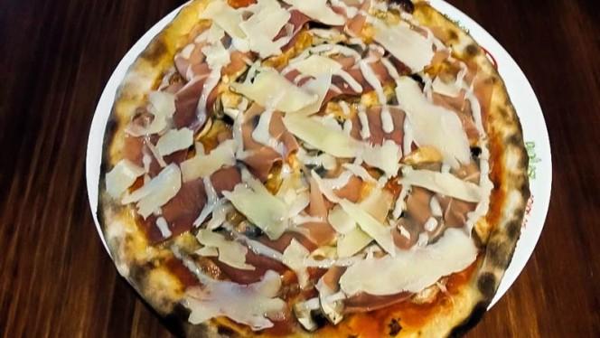 Pizza Tartufo - Authentic, Benidorm