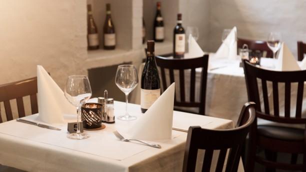 Steak & Thai Restaurant Restaurangens rum