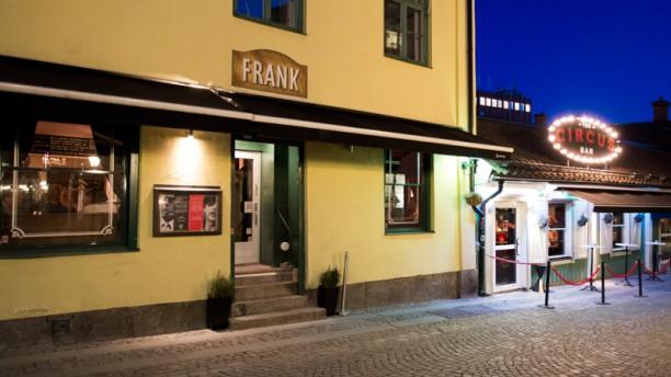 FRANK Facade