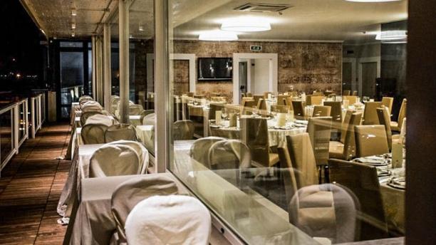 https://u.tfstatic.com/restaurant_photos/881/56881/169/612/le-terrazze-roof-garden-terrazza-a5564.jpg