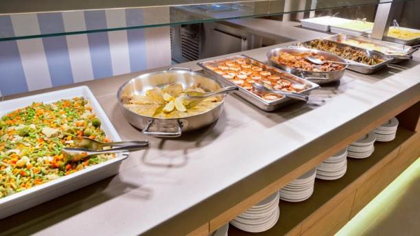 Buffet hotel merc in pineda de mar restaurant reviews for Restaurant pineda de mar