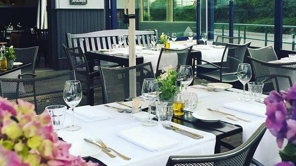 Restaurant Eten & Drinken Terras en diner
