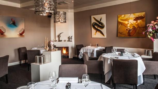 https://u.tfstatic.com/restaurant_photos/883/242883/169/612/de-beejekurf-het-restaurant-55017.jpg