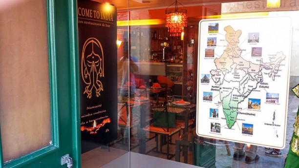 Welcome to India - Oriental Restaurant e Bar Entrada