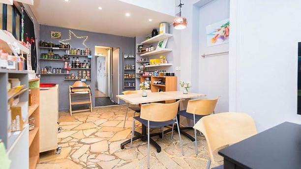 polyglotte restaurant 132 avenue de la r publique 92120 montrouge adresse horaire. Black Bedroom Furniture Sets. Home Design Ideas
