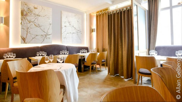 Restaurant la table d 39 eug ne paris montmartre avis prix et r servation for Restaurant la table de francois troyes