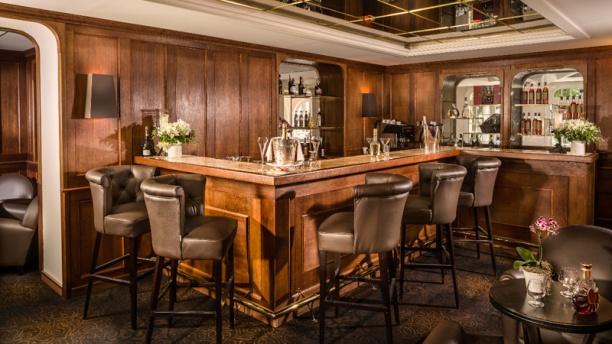 Restaurante la table du pigonnet h tel le pigonnet en - Le verre y table restaurant viroflay ...