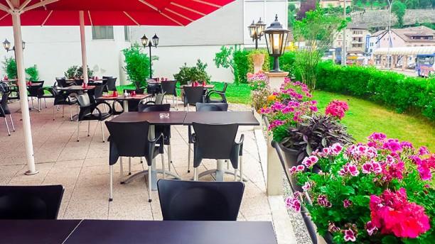 Restaurant AOMC Terrasse et jardin