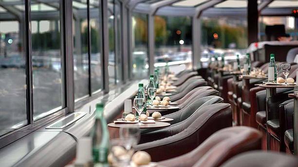Bateaux Paris en Scène : dîner croisière Vue des tables