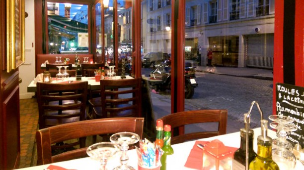 Restaurant l anvers du décor à paris montmartre