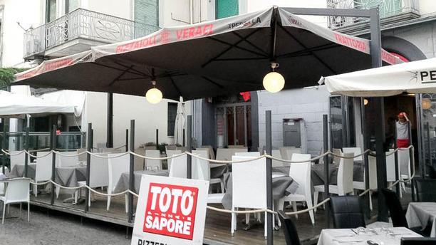 Totò Sapore Salerno entrata