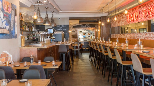TABLE 24 Restaurant zaal