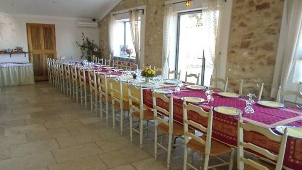 Le Moulin de Lavon table et chambres d'hôtes Vue de la salle