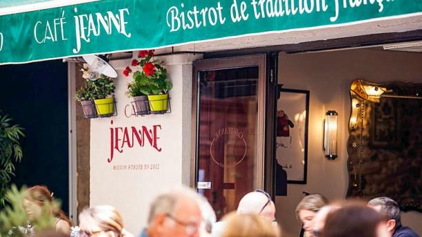 Café Jeanne Exterieur